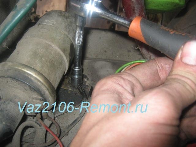 крепление катушки зажигания на ВАЗ 2106