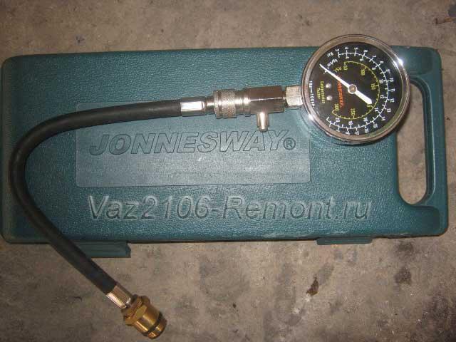 компрессометр Jonnesway для проверки компрессии в двигателе