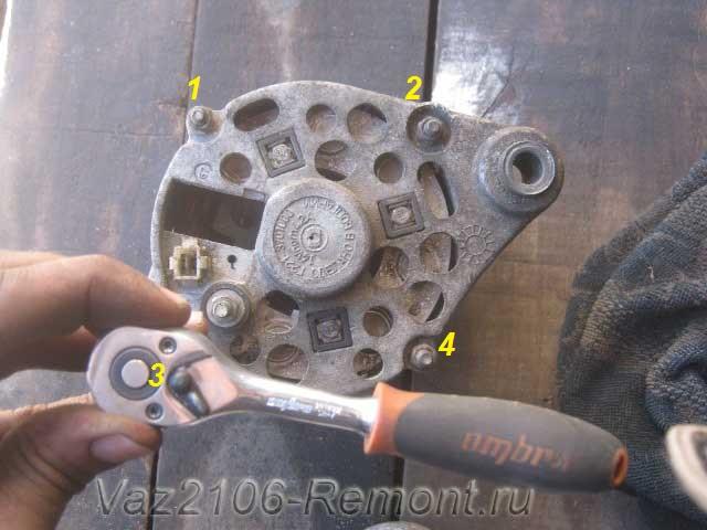 крепление двух частей генератора на ВАЗ 2106