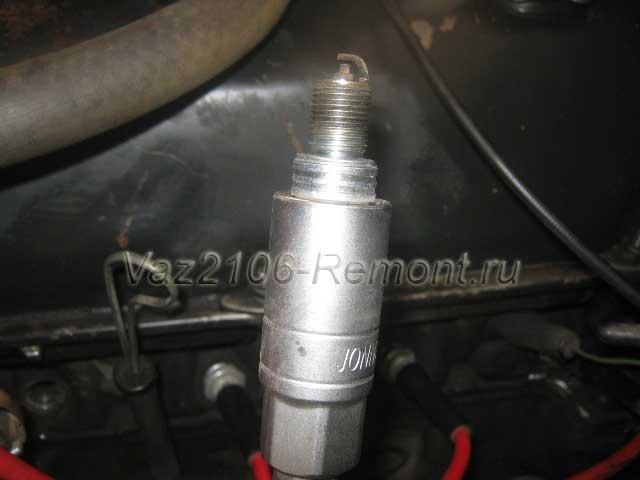 замена свечей зажигания на ВАЗ 2106