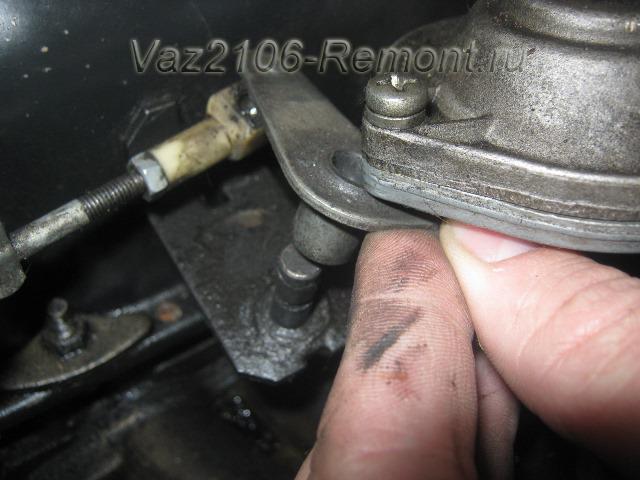 тяга заслонки карбюратора на ваз 2106 - отсоединение