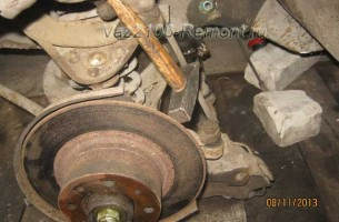замена тормозных дисков на ВАЗ 2106