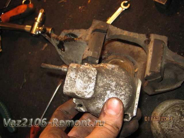 замена передних тормозных цилиндров на ВАЗ 2106