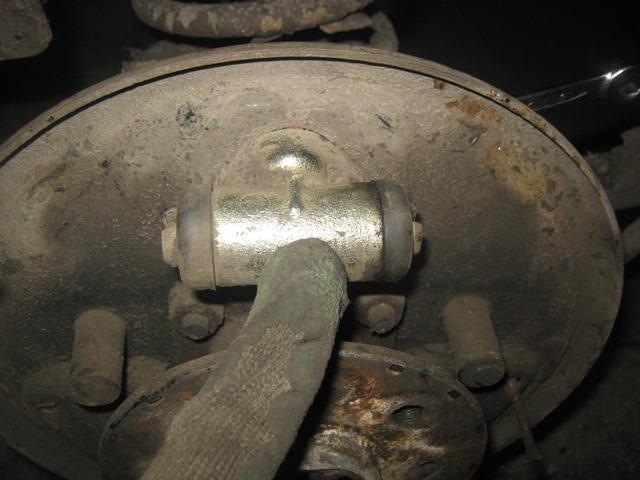 задний тормозной цилиндр ВАЗ 2106