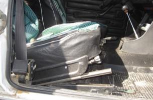 замена передних сидений на ВАЗ 2106