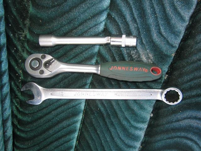инструмент для снятия передних сидений на ВАЗ 2106