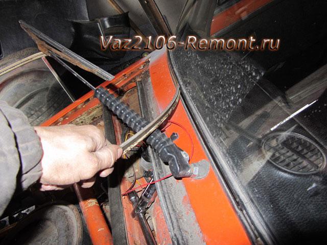окантовка лобового стекла ВАЗ 2106 - снятие