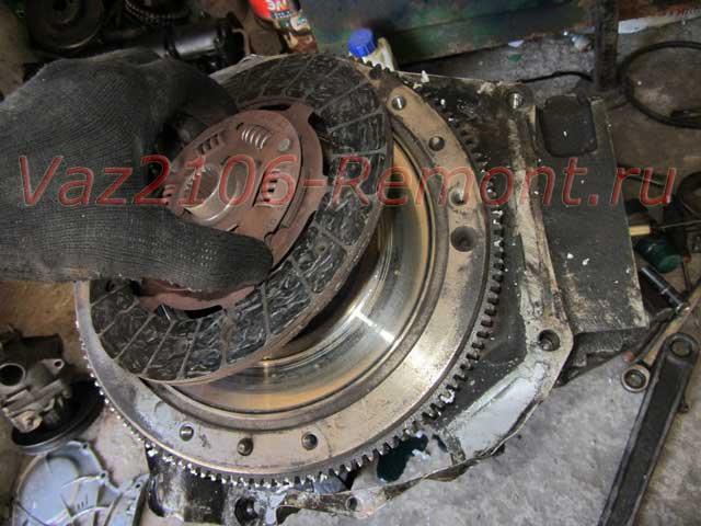 замена диска сцепления на ВАЗ 2106