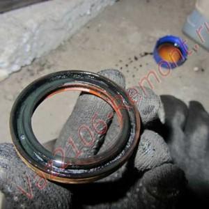 замена сальника коленвала ВАЗ 2106
