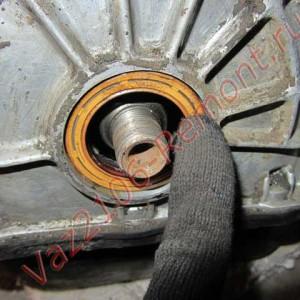 установка сальника коленвала ВАЗ 2106