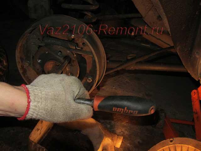 как открутить полуось на ВАЗ 2106