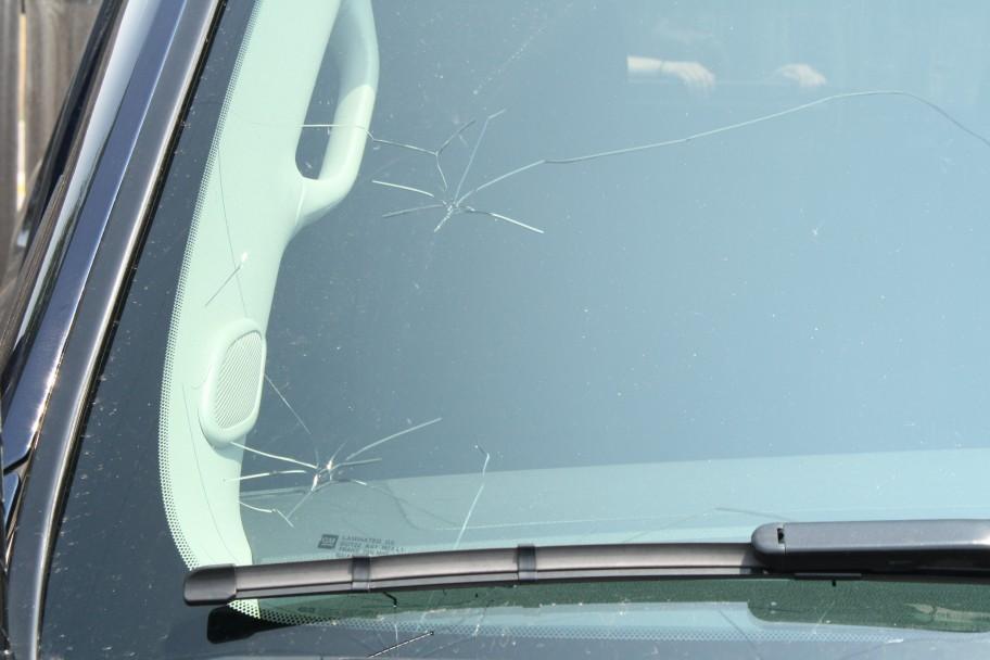 ремонт стекла автомобиля