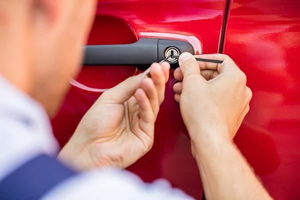 аварийное открытие автомобиля