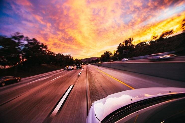 как вызвать помощь на дороге