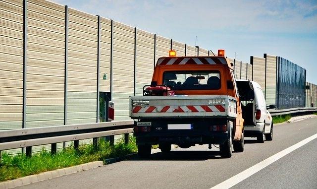 помощь на дорогах эвакуатор
